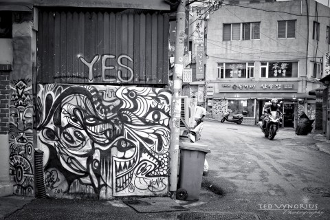 Alleys of Itaewon…